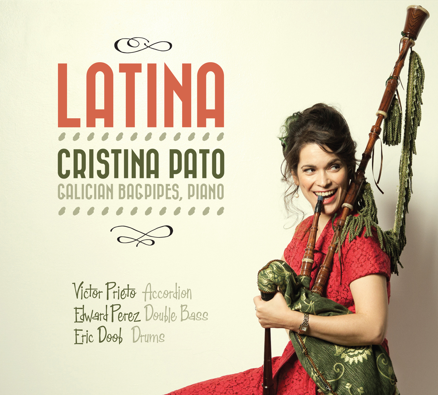 Latina  by Cristina  Pato cover